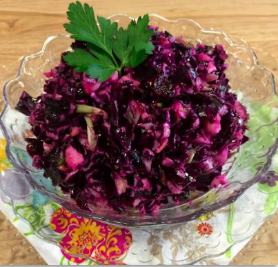 Salade de chou rouge, pomme et canneberge