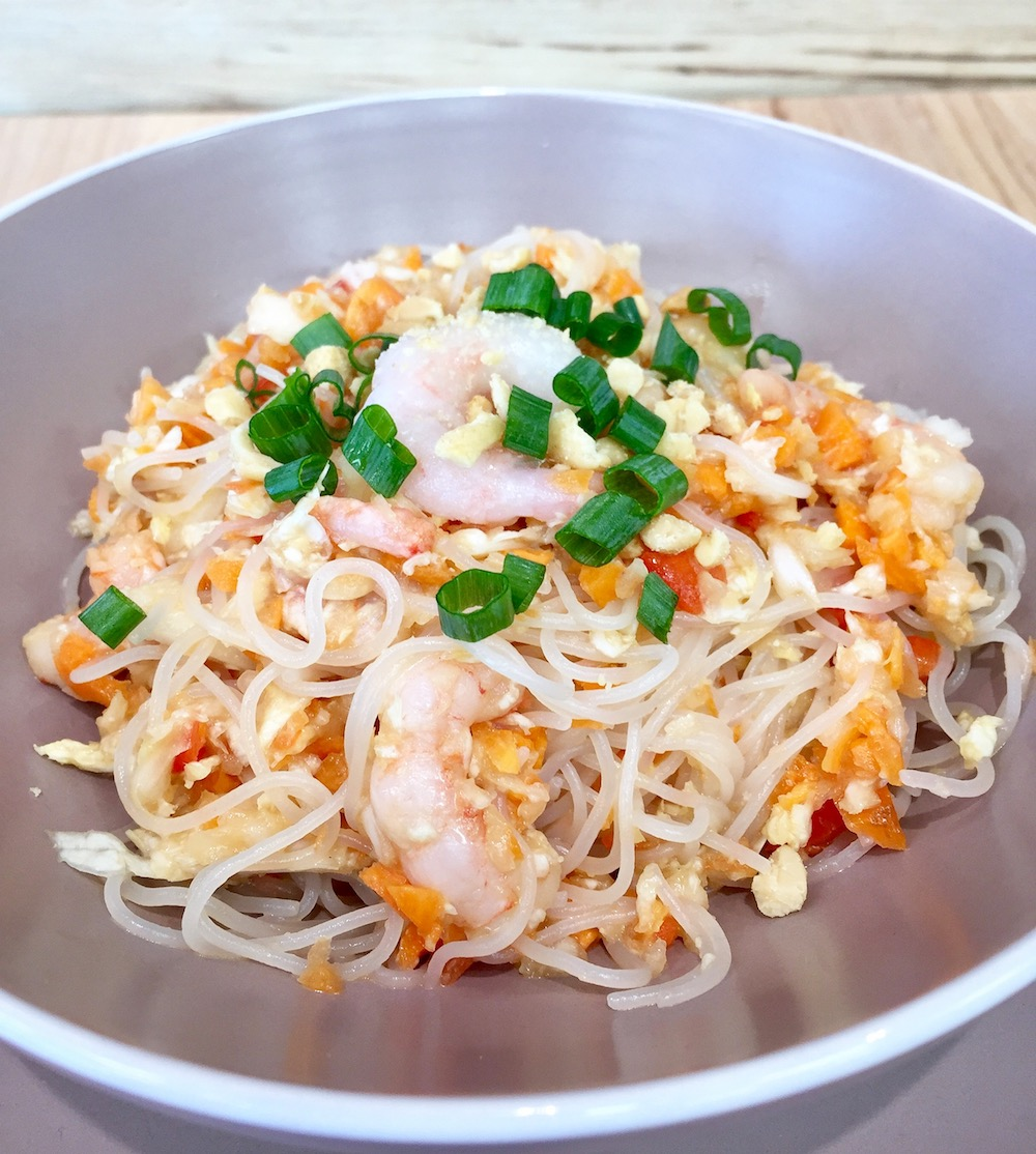 Salade vietnamienne aux crevettes et arachides