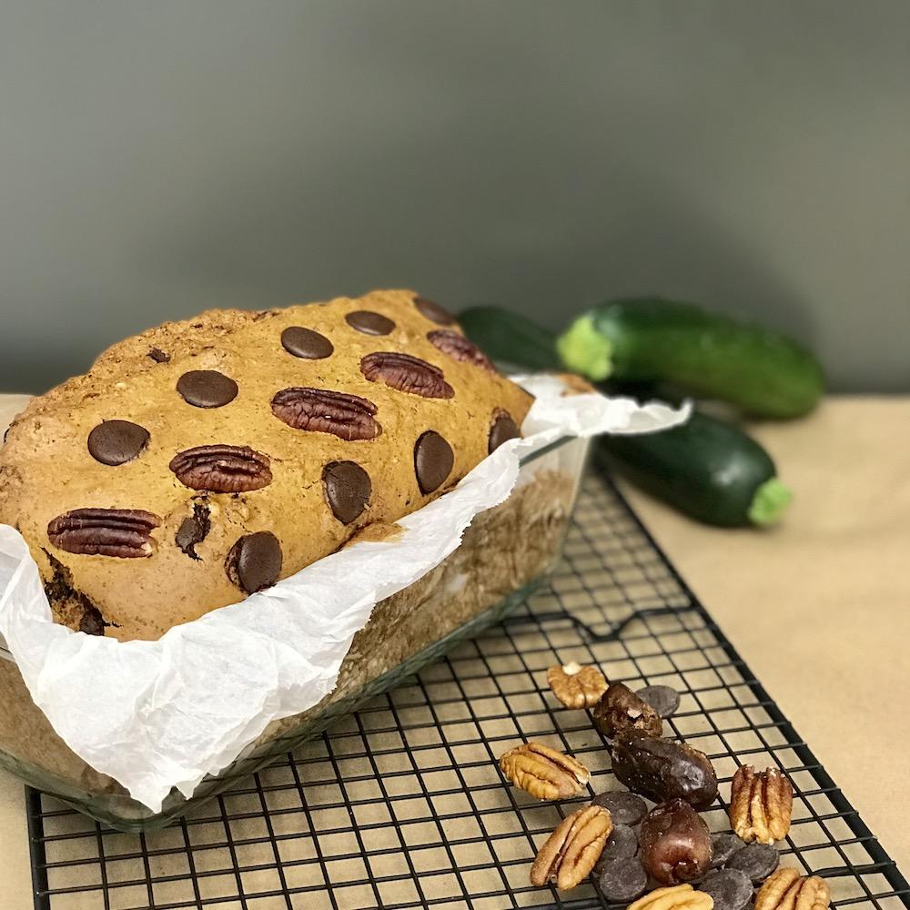 Moelleux aux dattes, chocolat, pacanes et courgettes